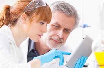 контроль врача при лечении кисты щитовидки