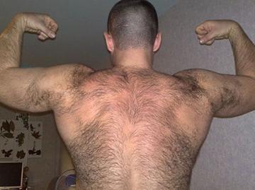 волосатый мужчина