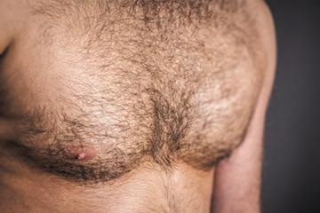 волосы на груди