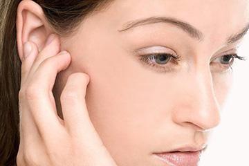 отек слухового прохода